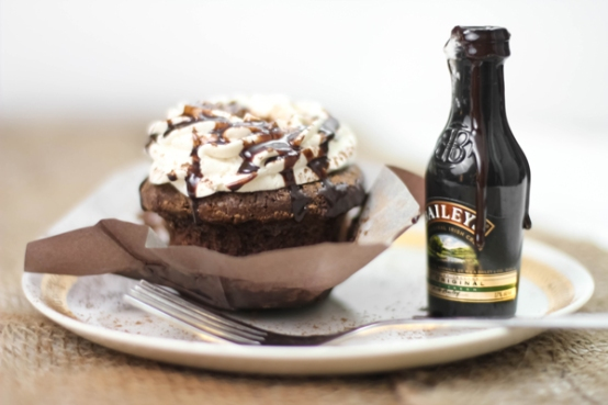 Bottoms Up Irish Cream Hot Fudge Cupcakes