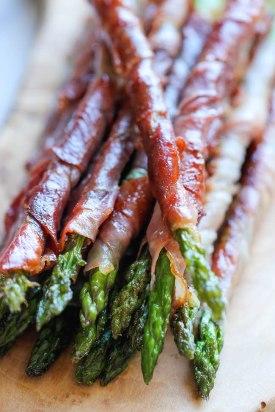 RECIPE: http://damndelicious.net/2013/12/27/prosciutto-wrapped-asparagus/