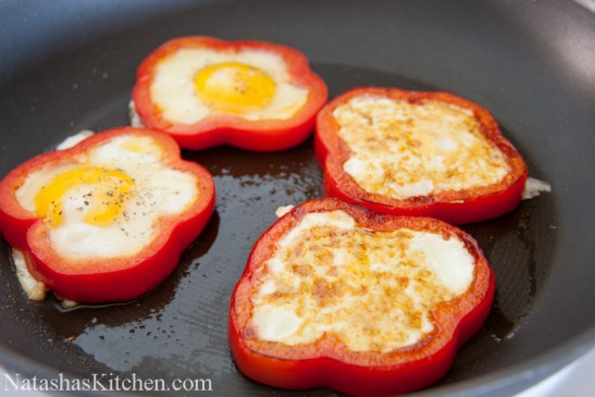 Bell-Pepper-Egg-in-a-Hole-9-547x365